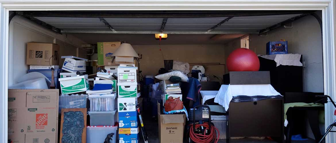 crowded garage with no room for a car